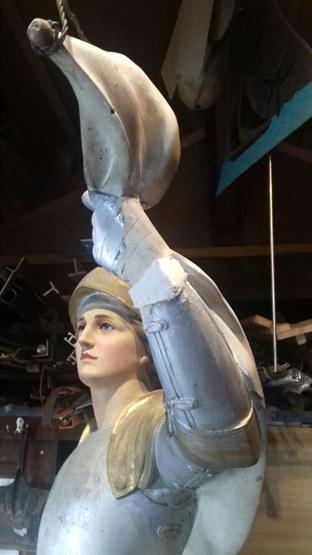 Jeanne d'Arc - Main avant restauration