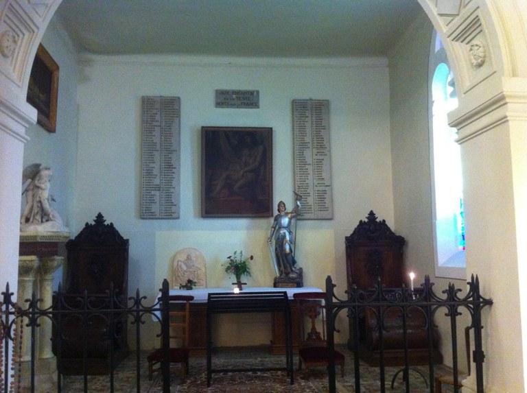Jeanne d'Arc dans la chapelle